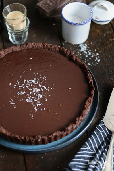 Baileys Caramel Chocolate Tart | Bake to the roots