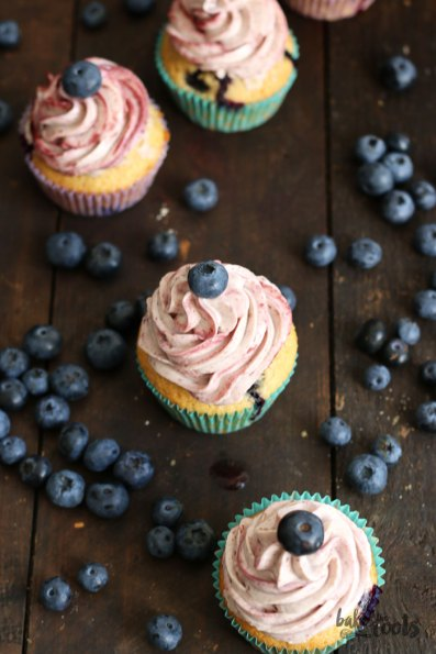 Blueberry Cupcakes | Bake to the roots