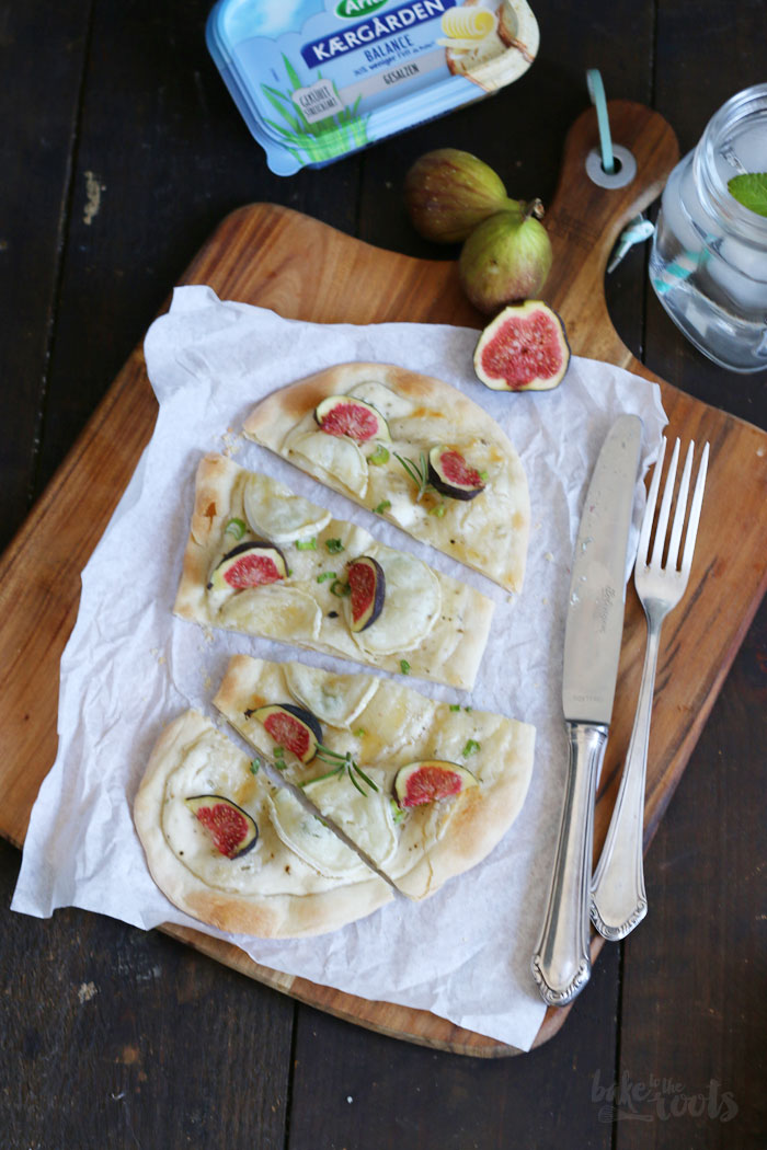 Flammkuchen with Goat Cheese & Fresh Figs | Bake to the roots