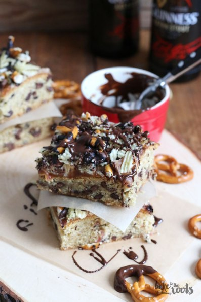 Cookie Bars with Bacon and Beer | Bake to the roots