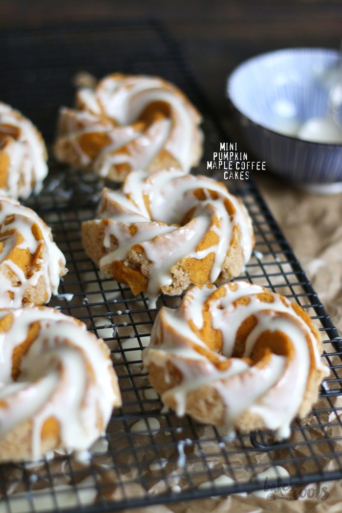 Mini Pumpkin Maple Coffee Cakes | Bake to the roots