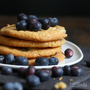 Blueberry White Chocolate Cookies | Bake to the roots