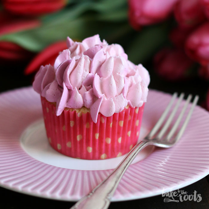 Vanilla Raspberry Cupcakes | Bake to the roots
