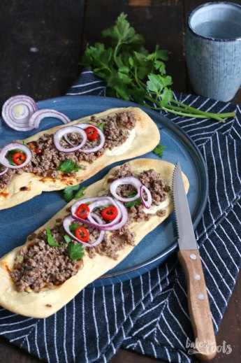 Fladenbrot mit Hackfleisch | Bake to the roots