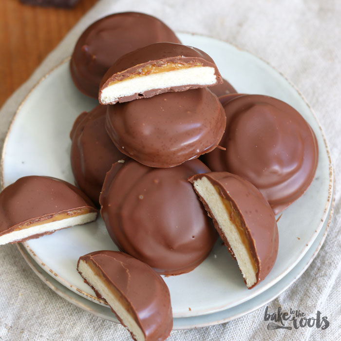 Twix Cookies with Dulce de leche | Bake to the roots