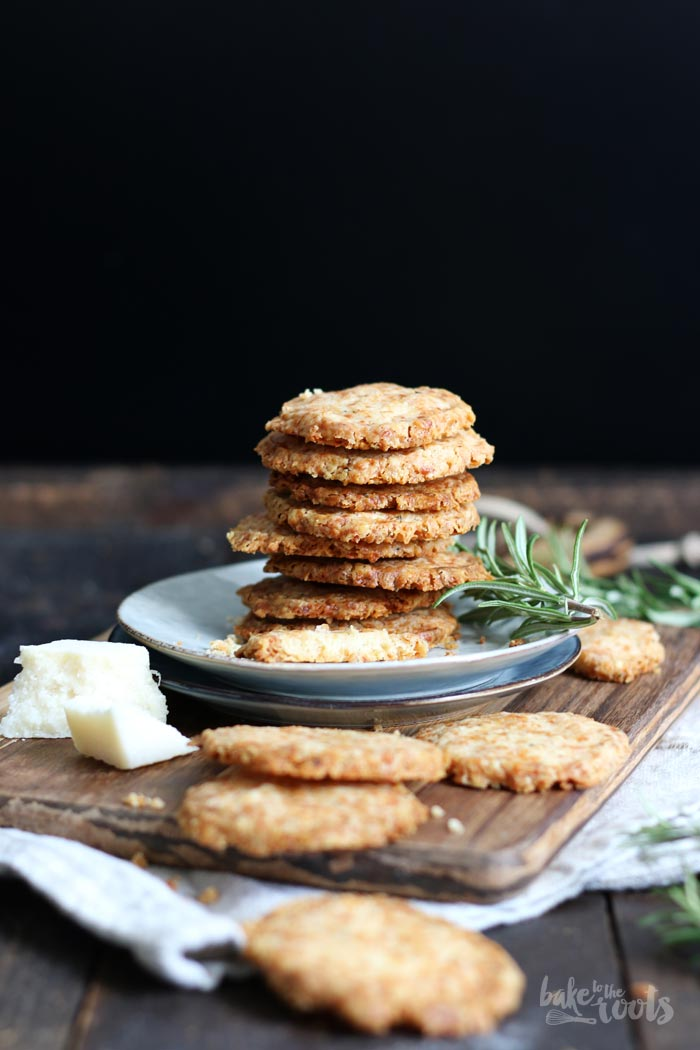 Parmesan Rosmarin Cookies | Bake to the roots