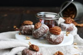 Pecan Chocolate Crinkle Cookies | Bake to the roots