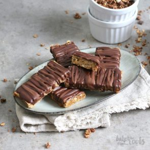 Peanut Butter Müsli Bars | Bake to the roots