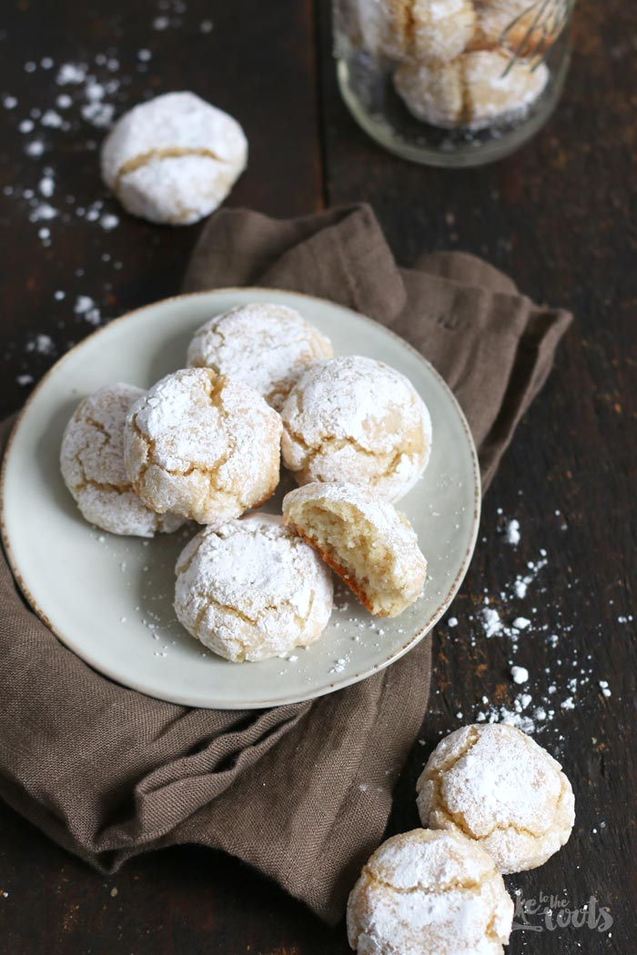 Amaretti | Bake to the roots