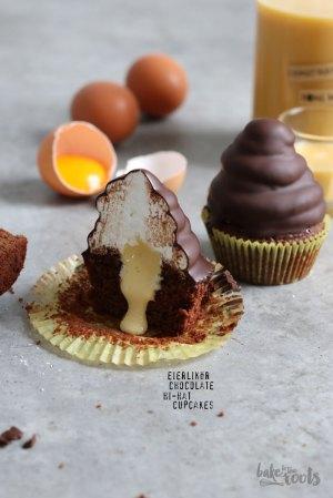 Eggnog (Eierlikör) Chocolate Hi-Hat Cupcakes