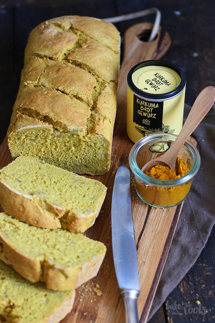 Sunflower Turmeric Bread | Bake to the roots