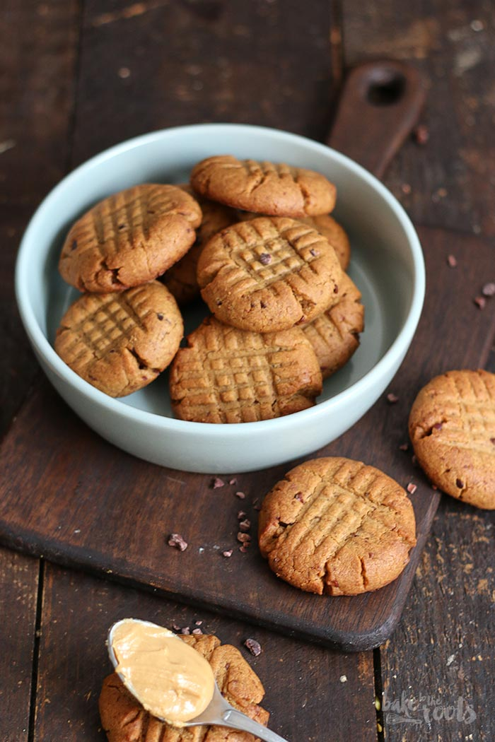 (Healthy) Peanut Butter Cookies | Bake to the roots