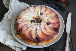 Peach Blackberry Upside Down Cake | Bake to the roots