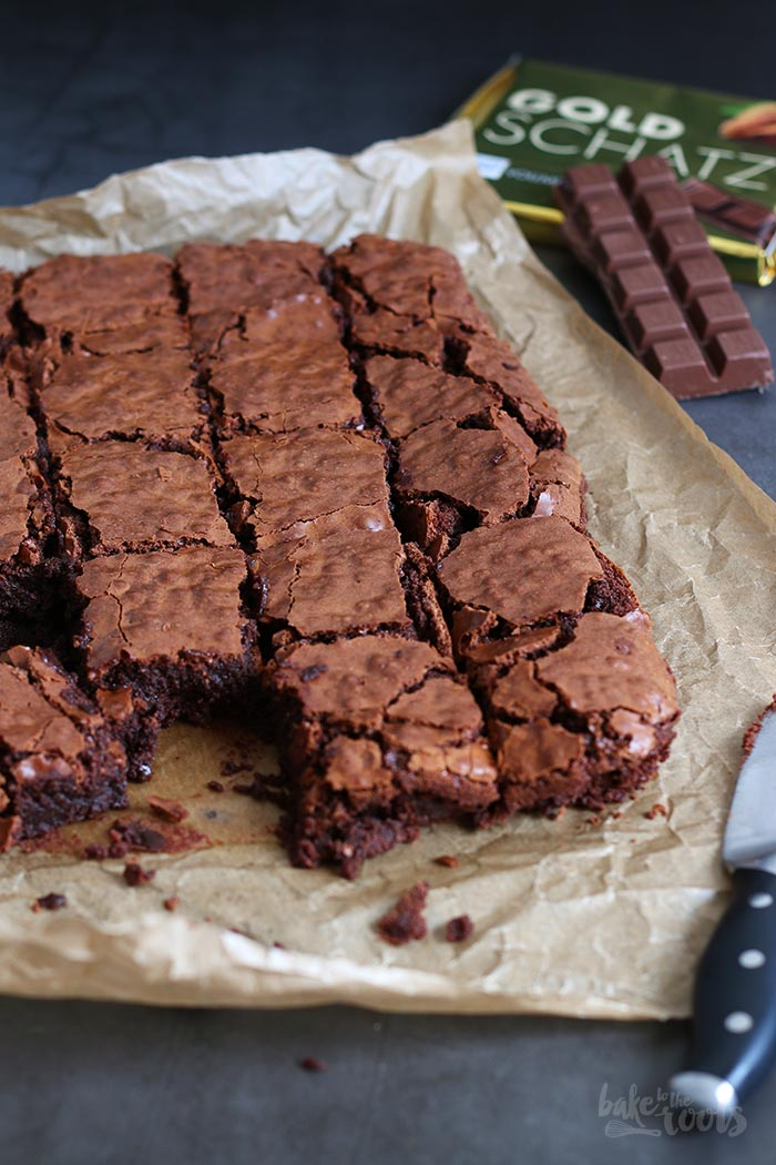 Best Fudgy Brownies | Bake to the roots