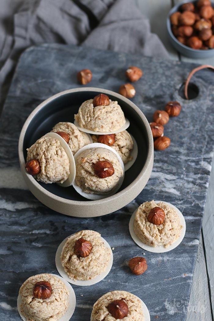 Vegan Hazelnut Cookies | Bake to the roots