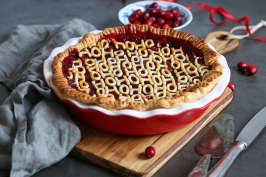 Cherry Cranberry Mulled Wine Pie | Bake to the roots