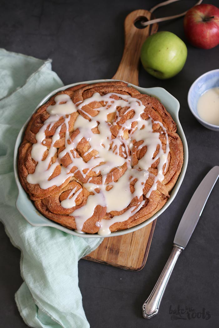 Cinnamon Roll Apple Pie | Bak to the roots