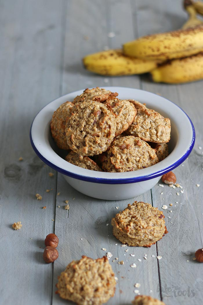 Sugar-Free Banana Hazelnut Oats Cookies | Bake to the roots