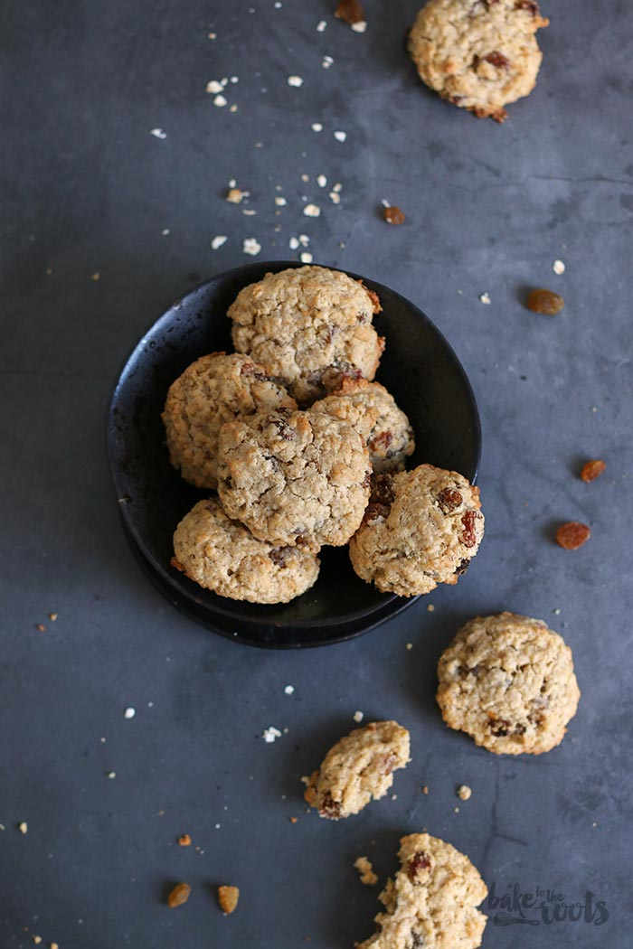 Oatmeal Raisin Cookies | Bake to the roots