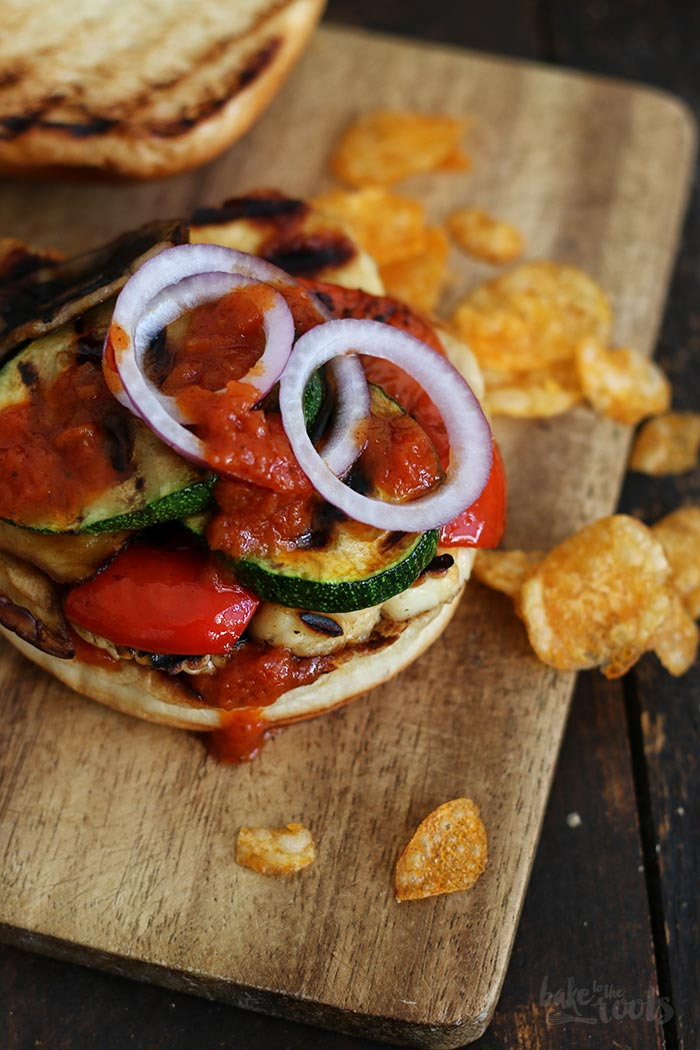Halloumi Gemüse Burger | Bake to the roots