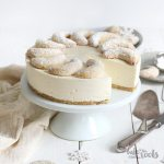 Vanillekipferl Cheesecake | Bake to the roots