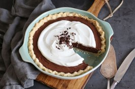 Vegan Chocolate Coconut Cream Pie | Bake to the roots