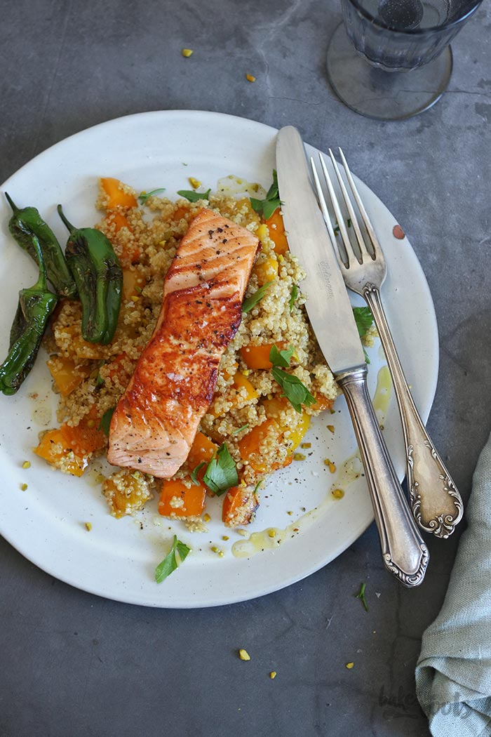 Salmon with Roasted Pepper Quinoa Salad | Bake to the roots
