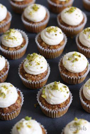 Carrot Cake Cupcakes (zuckerfrei & glutenfrei)