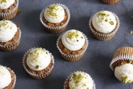 Mini Carrot Cake Cupcakes (sugar-free & gluten-free) | Bake to the roots