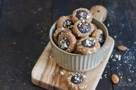 Dattel Mandel Haferflocken Cookies | Bake to the roots