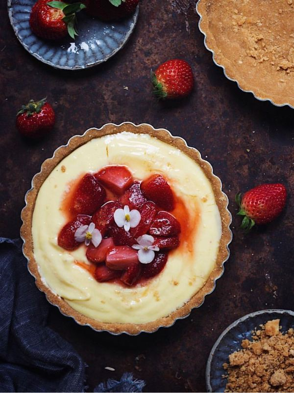 No Bake Strawberry Custard Tart