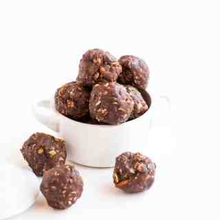 Nutty Chocolate Energy Balls