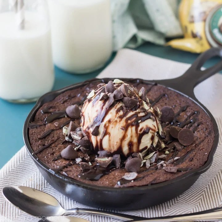 Chocolate Mint Skillet Brownie