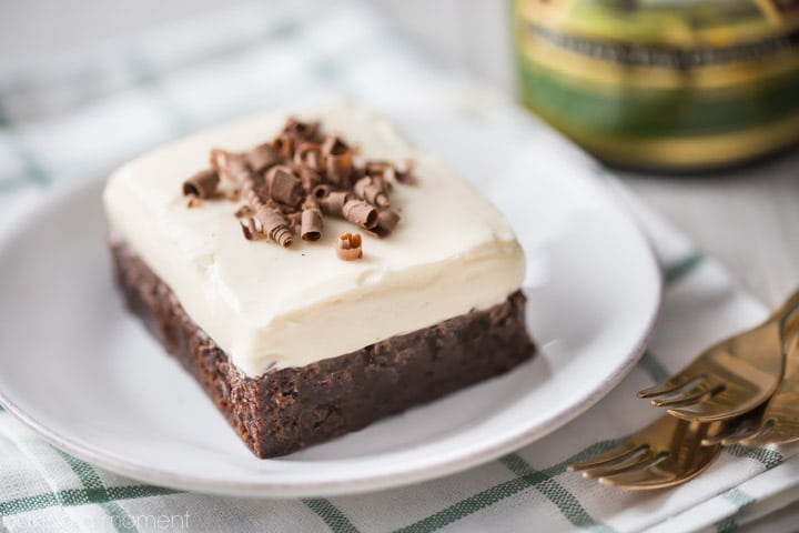Nutty Irishman Frosted Brownies: Omg the combination of Bailey's, hazelnut, and fudgy chocolate brownie is insane! Really simple and straightforward recipe, I'll definitely be making it again. food desserts chocolate