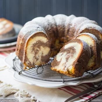 Marble Bundt Cake: This pound cake was soooo buttery it just melts in my mouth! food desserts cake