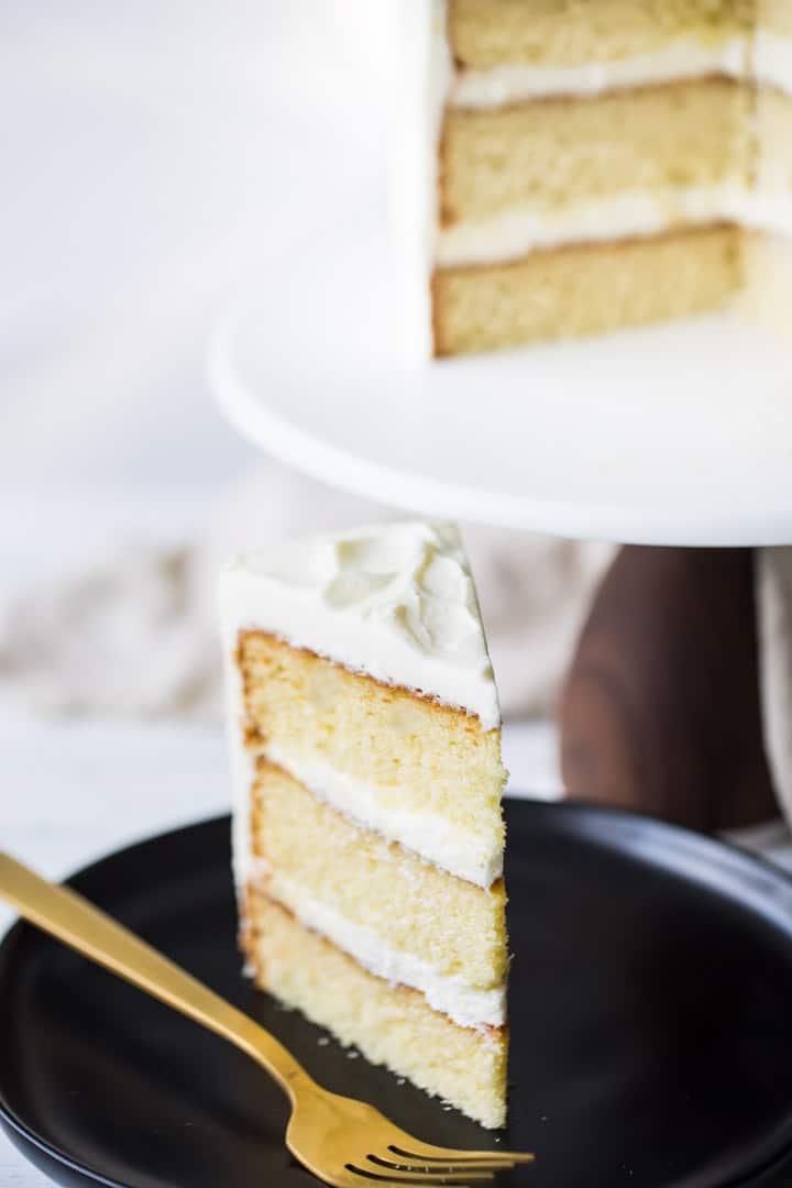 Easy Homemade Vanilla Cake Recipe