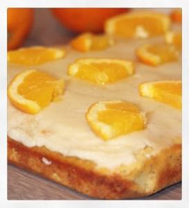 Orangen-Kuchen mit Mohn und weißer Schokolade