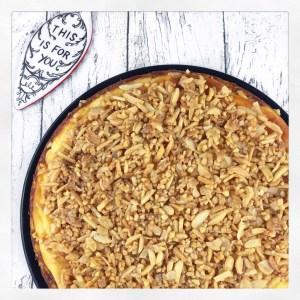 Cheesecake mit knuspriger Mandelkruste