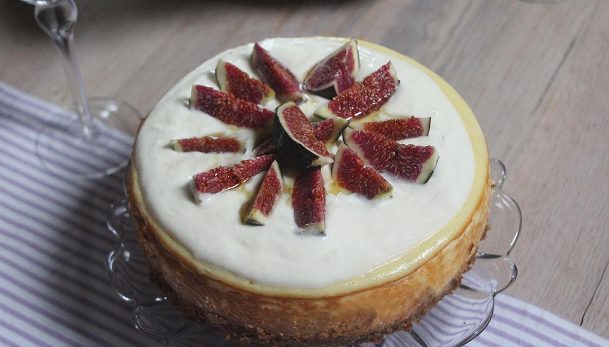 Cheesecake mit Ziegen-Frischkäse und Feigen