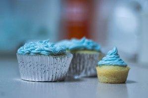 cali creamin cupcakes