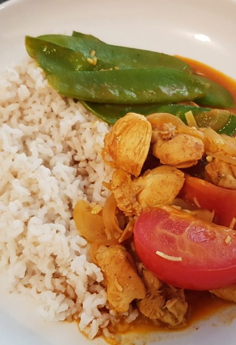 my version Sri Lankan coconut chicken curry