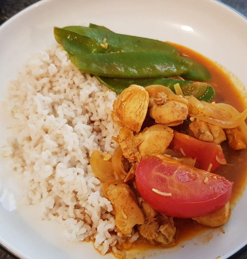 my version Sri Lankan coconut chicken curry