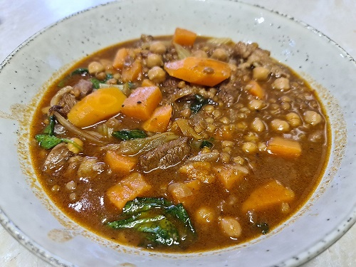 Beef with lentils, chickpeas and spinach soup