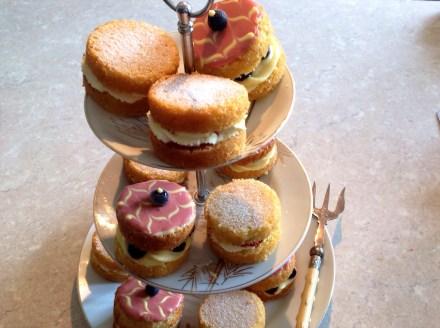 Cakes: simplicity v fancy!