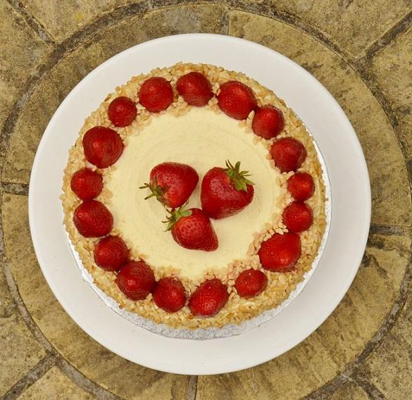 Lemon & strawberry dacquoise