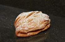 Sfogliatella: an approximation to the traditional shape!