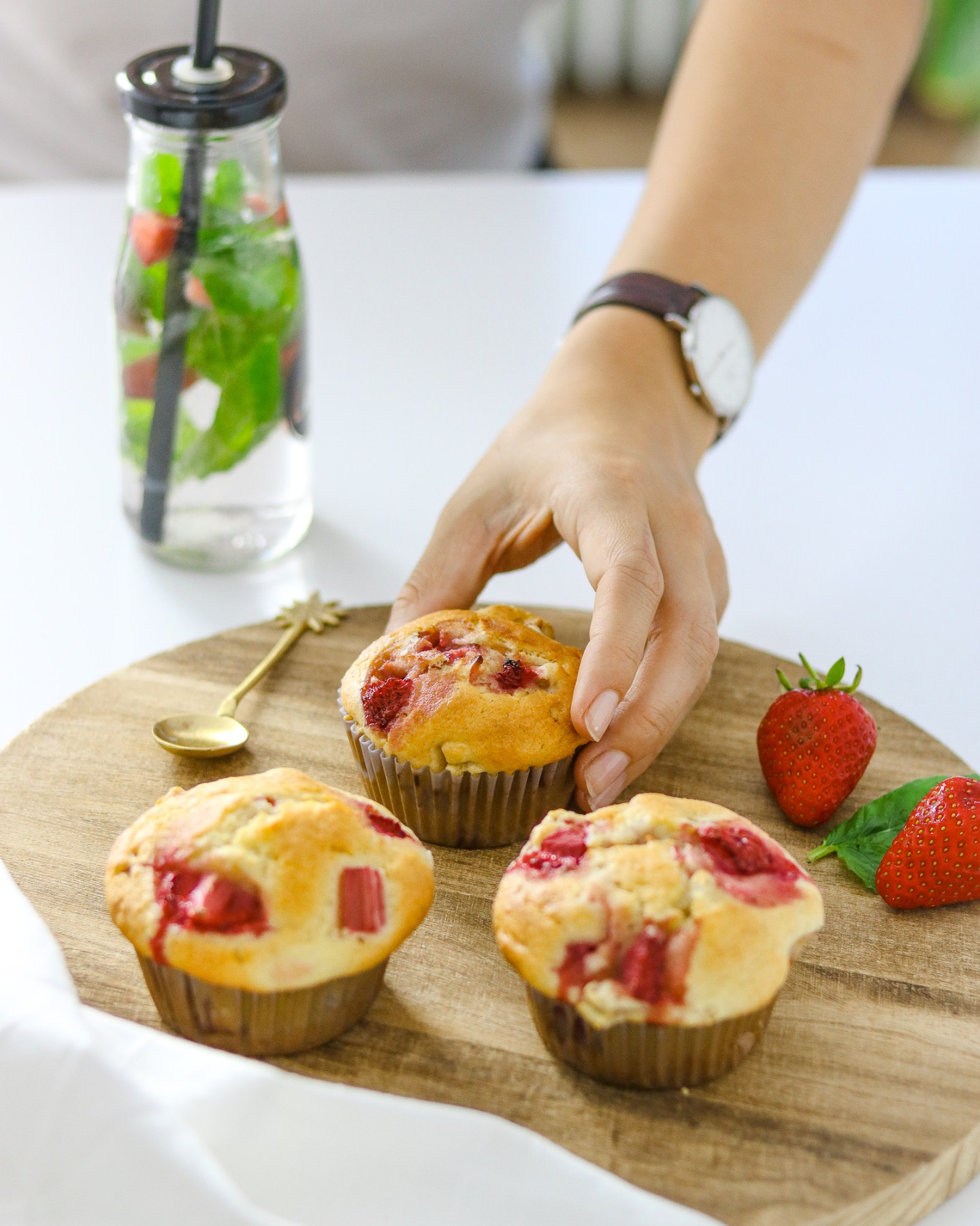 Rhabarber-Erdbeer-Muffins-Bakinglifestories.com
