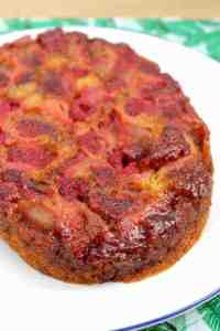 Slow cooker berry upside down cake recipe