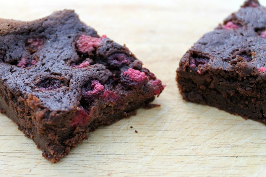 Slow cooker raspberry brownies