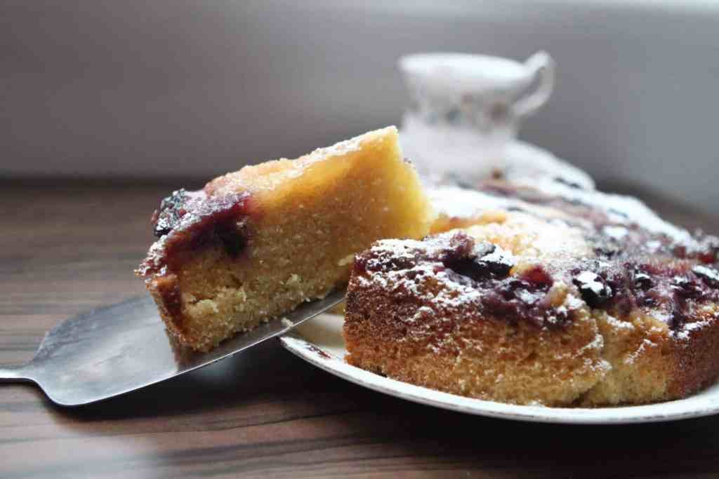 Slow cooker blueberry, lemon and ginger cake from Mummy Mishaps